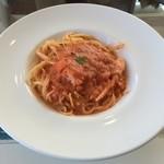 Deckcafe@Shirasaki - 紅ズワイガニのトマトクリームパスタ