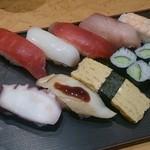 寿司居酒屋 日本海 - ランチのにぎり 750円