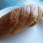 ブーランジュリー・マルゼルブ - 雑穀のパン? ¥220