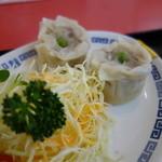 中華料理 萬来軒 - かなり大きなシューマイ、一番美味い