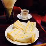 スメル - タマゴサンドイッチとコーヒー