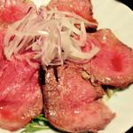35208161 - 黒毛和牛のローストビーフ 生野菜付き