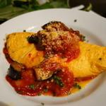 セブンストック - 蘭王玉子のオムレツ 3種のチーズ入り (自家製煮込み野菜のソース)