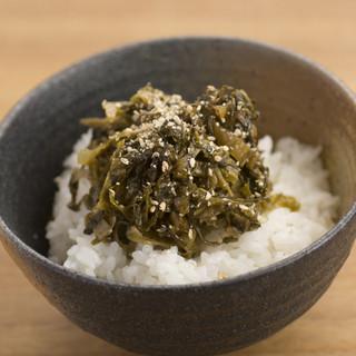 丼物に使っているお米や野菜は、九州各地から仕入れています