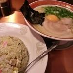35236005 - ラーメン&半炒飯セット 1000円