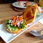 peripatos - 料理写真:ランチ :Dセット 本日のサンドは、サルサソース