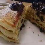 35261987 - ブルーベリーパンケーキ断面図