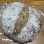 麦の香 - 木の実(270円)