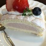 サッポロ珈琲館 - 苺のティラミス、程よい酸味。