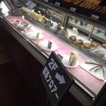 サッポロ珈琲館 - ケーキも種類豊富。