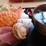 お食事酒処和 - 海鮮丼-うにの貝焼き付