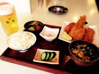 横田酒場 - ミックスフライ定食!サクサクです