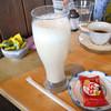 昭和おもひで館 - ドリンク写真:コーヒーとミックスジュース ビスコ付きでした。