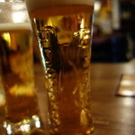 炭焼酒場 すもぉ~き~ - たっぷりの生ビール