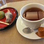 風月堂 - 料理写真:【和菓子セット(400円)】「薄皮饅頭」と「抹茶」