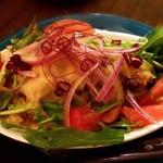 スタンド 末広 - チーズとパクチーのポテトサラダ