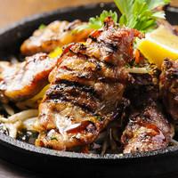 ◆ガッツリ!肉料理が豊富♪男性はもちろん肉食女子にも好評♪