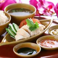 海南鶏飯(蒸し)【肉大盛+¥200、ライス大盛+¥100】