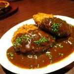 大衆肉バルKamiichi - 肉バルのメンチカツ(自家製デミグラスソース)590円