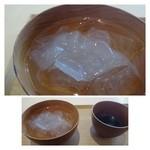 茶洒 金田中 - 葛切り(1200円)・・吉野葛を使用されていますので、滑らかな食感で美味しいですよ。 同じく黒蜜に漬けていただきます。この「黒蜜」販売されていないのが残念なほど美味しい。