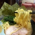 横浜家系ラーメン 中野家 - 麺リフト