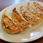 悟空 - 特製肉餃子。旨さの違いが分かります