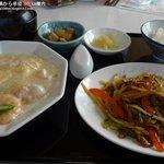 天昇 - 牛肉と三種ピーマン炒め + ふわふわ海鮮オムレツ