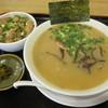 とん太 - 料理写真:「らーめん + もつ丼」のセットを!
