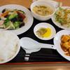竹園 - 料理写真:鶏と野菜の炒め定食