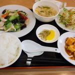 竹園 - 鶏と野菜の炒め定食