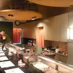 八方寿司 - カウンター14席