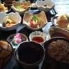松栄庵 - 料理写真:手打ち蕎麦を中心に刺身、天ぷら、煮物と盛りだくさん!