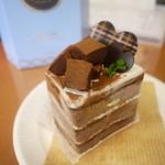 洋菓子のファームソレイユ - 生チョコケーキ