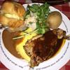 ラケル - 料理写真:桜姫鶏ステーキとオムライス。左上にラケルパンがあります。