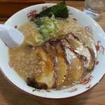 東煌 - 豚骨チャーシュー 980円
