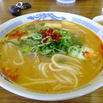 白ひげ食堂 - こく辛スープの豚汁うどん温玉入り:580円