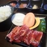 焼肉武藤道場 - 料理写真:カルビセット(800円)
