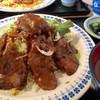 やっぱりおいしいごはんが一番 - 料理写真:マグロのホホ肉ステーキ(880円)