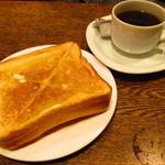 喫茶ルオー - モーニングセットのトーストとコーヒー
