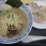 松 - チャーシュー麺800円