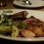ガーデンレストラン オールデイ ダイニング - イベリコ豚のロースト 春キャベツのブレゼと新じゃがのフリット