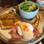 エージー カフェ - 料理写真:エッグベネディクト♡