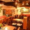 ラバーズカフェ - 内観写真:人数による色んな席作りが可能な配置