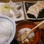 肉汁餃子製作所ダンダダン酒場 - ランチの餃子ライス 690円