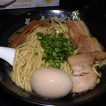 麺処寅路 - 特製濃厚ラーメン・黒
