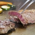 川崎日航ホテル カフェレストラン「ナトゥーラ」 - 【ランチ】土日祝はステーキが食べ放題!