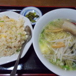 台湾料理 利葒縁 - 料理写真:蟹炒飯+塩ラーメン(700円)