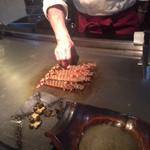 すてーきはうす寿々 - 車海老は生簀から取って、一から焼いてくれます