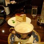 珈琲店 スパニョラ - ハニーバニラチーノ:500円+木苺のミルフィーユ:420円