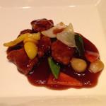 35735010 - 豚ヘレ肉の黒酢酢豚